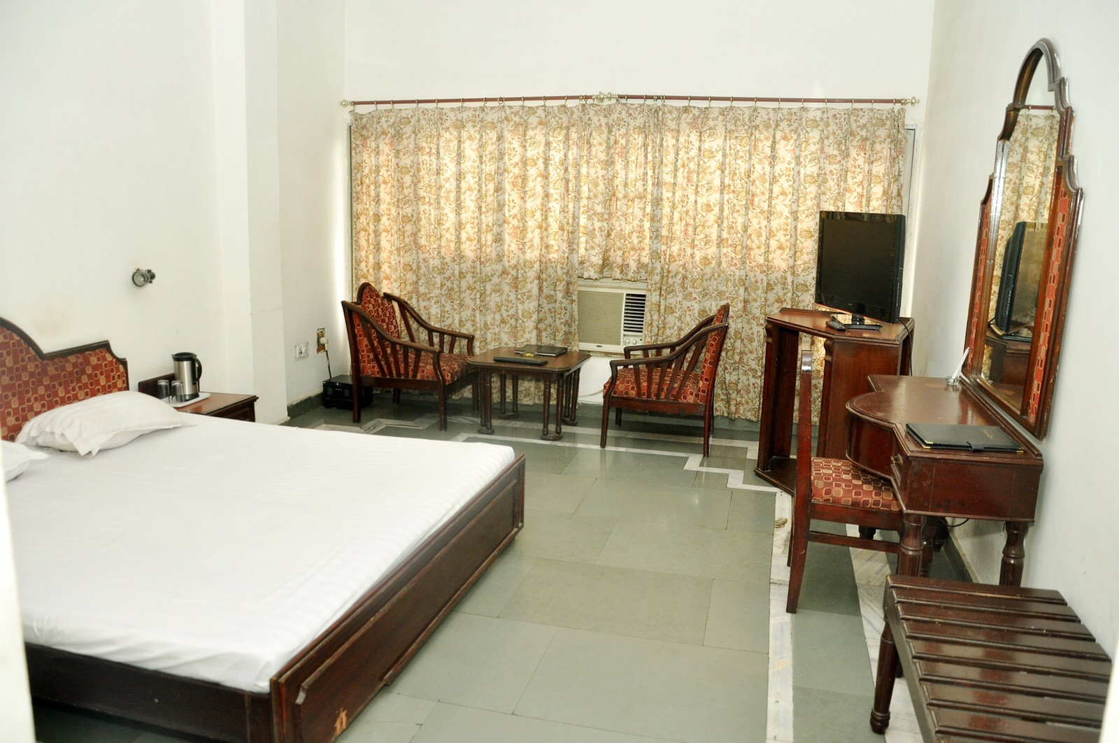 3 star Hotel for Sale in Bahadurgarh, Haryana